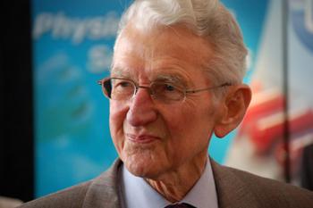 Dr. Maurice Jenaer, der Begründer der Mikroimmuntherapie