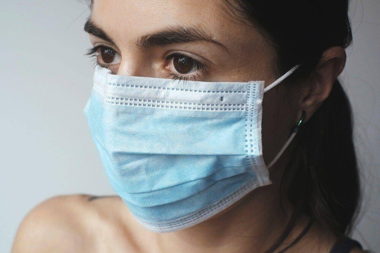 coronavirus mit maske vorbeugen